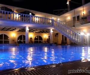 Гостевой дом «АкваМарин» с бассейном Прибрежное Крым