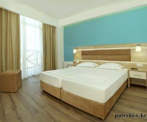 Двухкомнатные апартаменты в клубном комплексе Черноморский 35