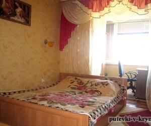 Трехкомнатная квартира пгт Черноморское Крым
