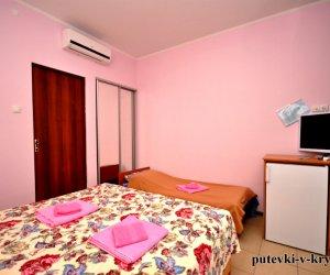 Трехместные апартаменты в отеле АкваМарин