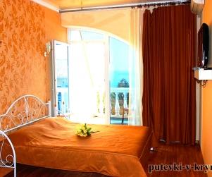 Двухкомнатные апартаменты «Люкс» с видом на море Вилла Арнис Алушта