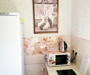 Трехместные апартаменты с кухней и балконом в КК «Солнце и Море» № 9