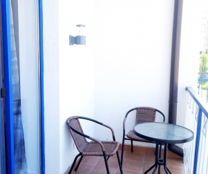 Двухкомнатные апартаменты на первом этаже с балконом в комплексе Капри № 71