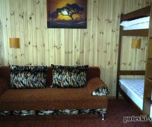 Четырехместный номер «Африка» в гостевом доме «Юлана» Севастополь Орловка