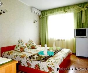 Двухместный номер «Эконом» в гостевом доме «Водолейчик» в Алуште