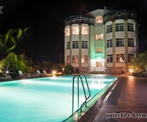Гостевой дом у моря с бассейном «Бриз» Черноморское
