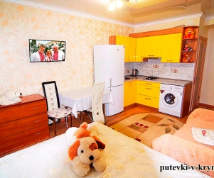 Трехместный номер «Семейный» с балконом в ГД «У Ярославовны» 7
