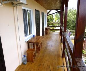 Трехместный номер с балконом ГД «Виктория» на Агафонова