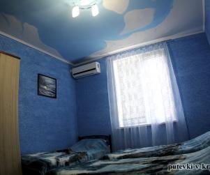 Трехместный номер «Голубой» в гостевом доме «Юлана» Севастополь Орловка