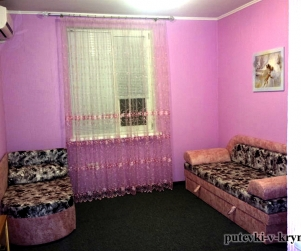 Трехместный номер «Розовый» в гостевом доме «Юлана» Севастополь Орловка